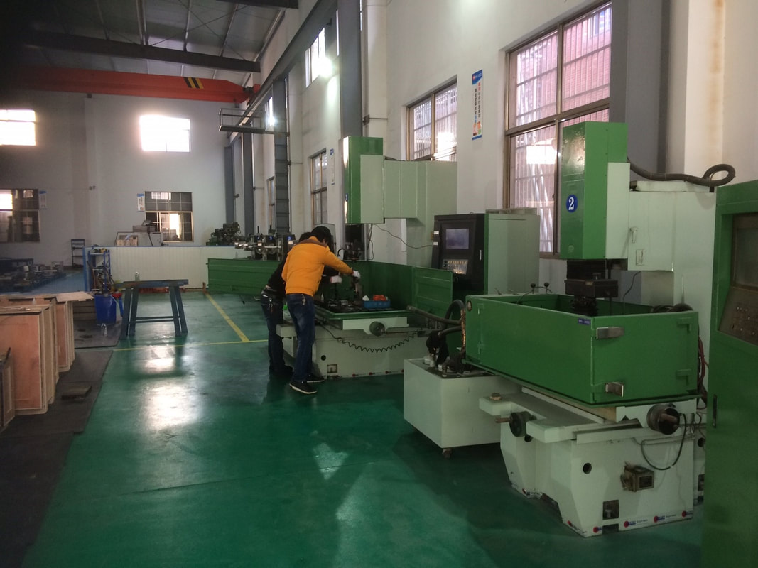 overview of an injection mold factory Zhejiang china
